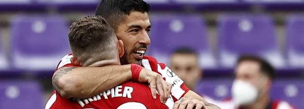 Suárez marca, Atlético vence de virada e é campeão espanhol