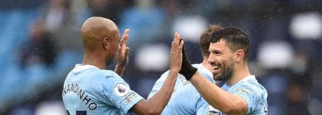 Na despedida de Aguero, argentino marca dois e Manchester City goleia o Everton pela Premier League