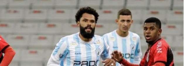 Após bom começo de temporada, Lucas Costa projeta Série B pelo Londrina: 'Estamos focados'