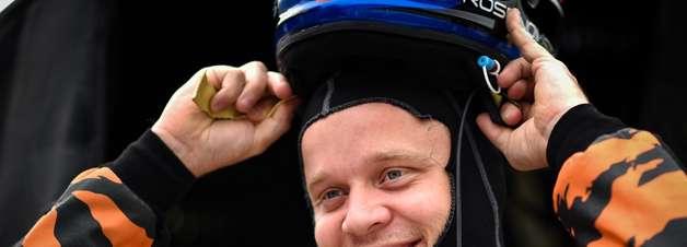 Rosenqvist recebe alta e deixa hospital em Detroit após forte acidente na corrida 1
