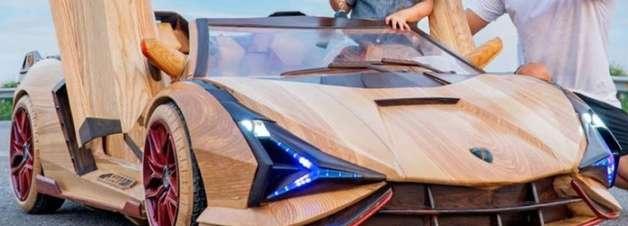 Homem fabrica Lamborghini de madeira para seu filho; assista