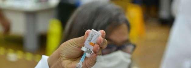 Após previsão de manter calendário de vacinação, Prefeitura de SP muda cronograma