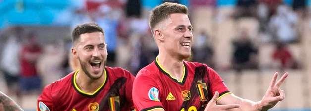Hazard e De Bruyne ainda podem jogar, diz técnico da Bélgica