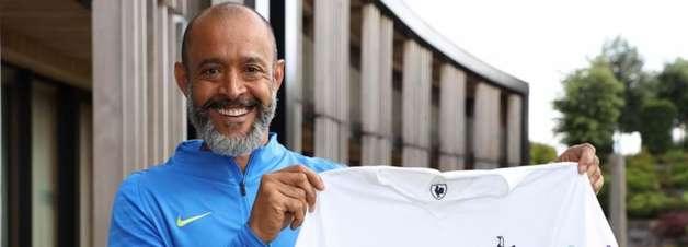 Tottenham anuncia contratação do técnico Nuno Espírito Santo