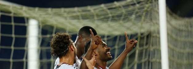 Nikão vira jogador do Athletico com mais gols na história da Sul-Americana