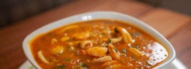 Caldo de camarão: opção deliciosa para os dias frios