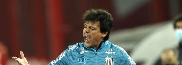 """Diniz admite """"coisas a corrigir"""" no Santos"""