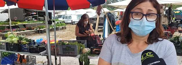 No flagra! Mulher rouba cenouras durante 'ao vivo' de jornal