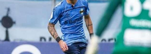 Diogo Barbosa vibra com primeiro gol pelo Grêmio