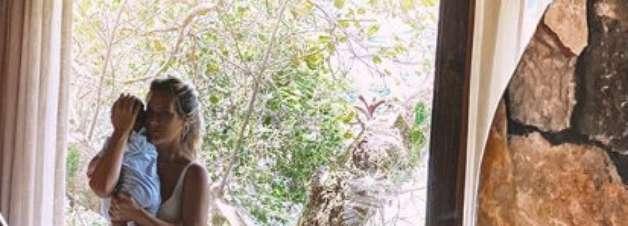 'Mamãe gostosa', declara Giovanna Ewbank em foto de biquíni