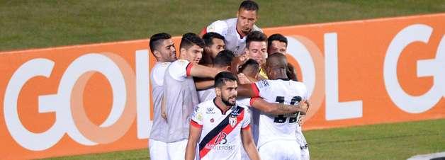 De virada, Atlético-GO vence o Bahia