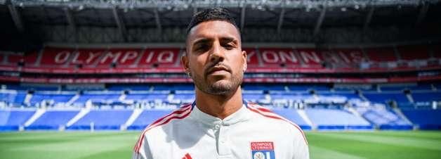 Lyon contrata Emerson Palmieri, campeão da Eurocopa