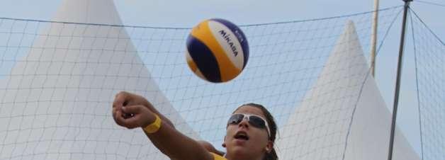 Vôlei de praia: Rebecca anuncia nova parceria com Talita
