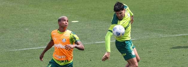 Gustavo Gómez reforça o treino do Palmeiras com foco no Fla