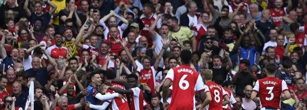 Arsenal bate Norwich em casa e vence a 1ª na Premier League