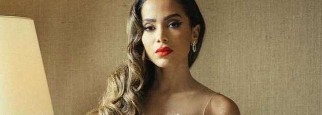 "Anitta aposta em look P&B bem sensual no VMA: ""Glamourosa"""