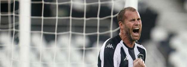 Joel Carli segue como desfalque do Botafogo