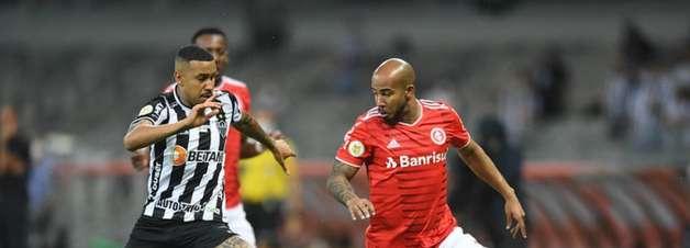 Atlético-MG vence o Internacional e segue firme na ponta