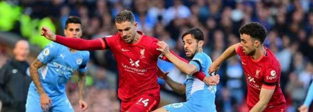 Com chuva de golaços, Liverpool e Manchester City empatam