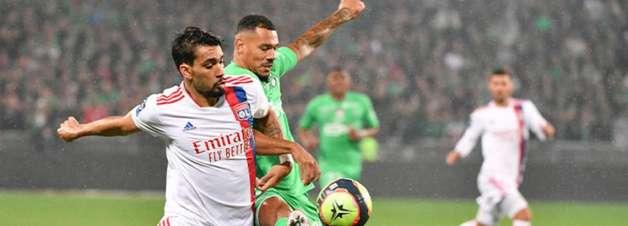 Lyon sai na frente, mas cede empate para o Saint-Étienne