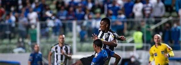 Em jogo movimentado, Cruzeiro e Botafogo empatam sem gols