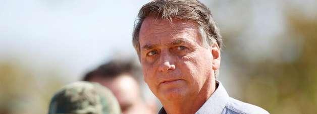 AGU pede que revista publique capa pró-Bolsonaro como direito de resposta