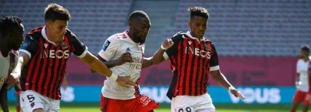 Lyon sai na frente, mas Nice reage e vira a partida