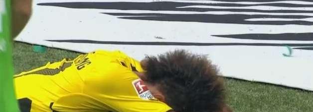 Cadê a pontaria? Gabonês do B. Dortmund perde gol feito