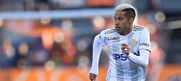 Ex-Palmeiras, meia Serginho vive expectativa da volta do futebol japonês