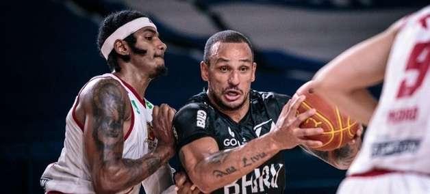 Bauru abre playoffs do NBB com vitória sobre Caxias do Sul