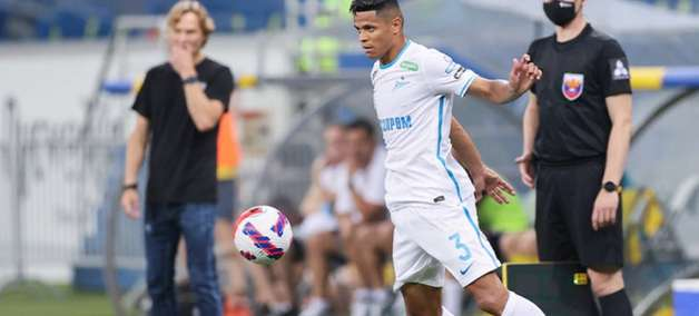 Douglas Santos renova com o Zenit até 2026