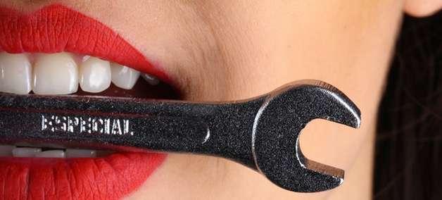 Sonhar com dente: o que significa sonho com dente sangrando?