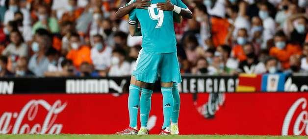 Com gol e assistência de Vini Jr, Real vira sobre o Valencia