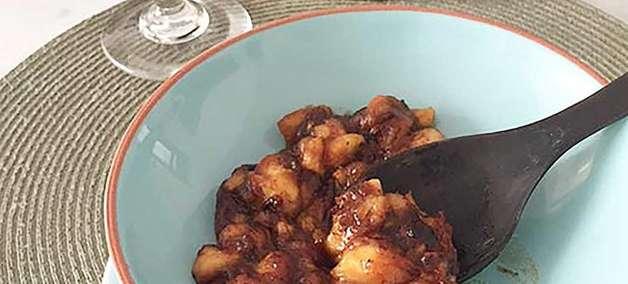 A jato: prepare bananas amassadas com mel na frigideira