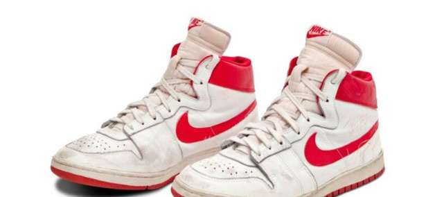 Tênis raro de Michael Jordan é vendido por R$ 8,2 milhões