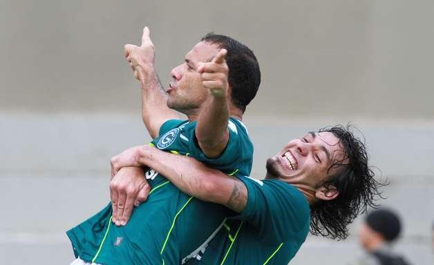 Goiás vence e conquista título da Série B; veja fotos da última rodada