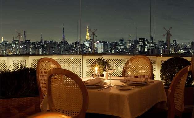 Restaurante alia gastronomia de qualidade e vista panorâmica