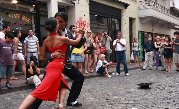 Veja os melhores lugares para dançar tango em Buenos Aires