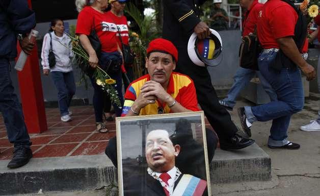 Morte de Chávez causará reformas em Cuba, diz Yoani Sánchez