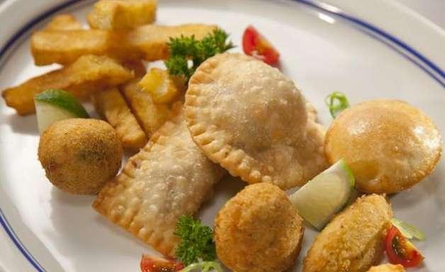 """Atala aprova PF e prato 'trash': """"cozinheiro não come comida de cliente"""""""