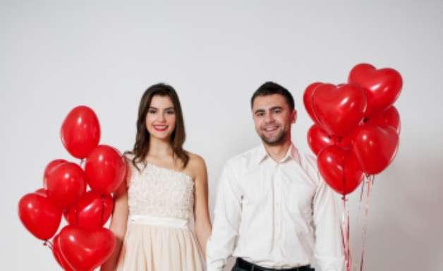 Veja dicas para sair melhor nas fotos do álbum de noivado