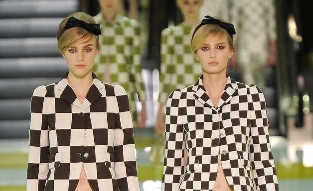 Marc Jacobs anuncia saída da Louis Vuitton; relembre história e desfiles