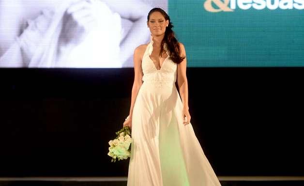 Em desfile, Expo Noivas apresenta tendências de moda