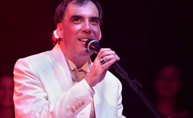 Arnaldo Antunes apresenta novidades no Terra Live Music desta terça