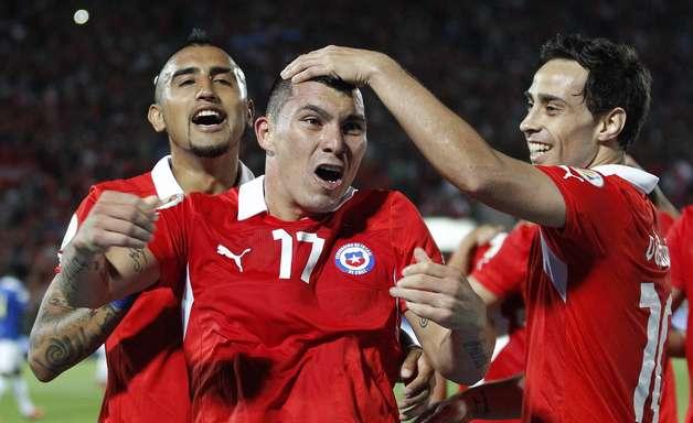 Chile vence Equador em Santiago; ambos se classificam à Copa de 2014