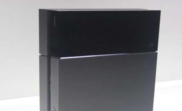 """""""Também estamos frustrados com o preço"""", diz executivo sobre PlayStation 4"""