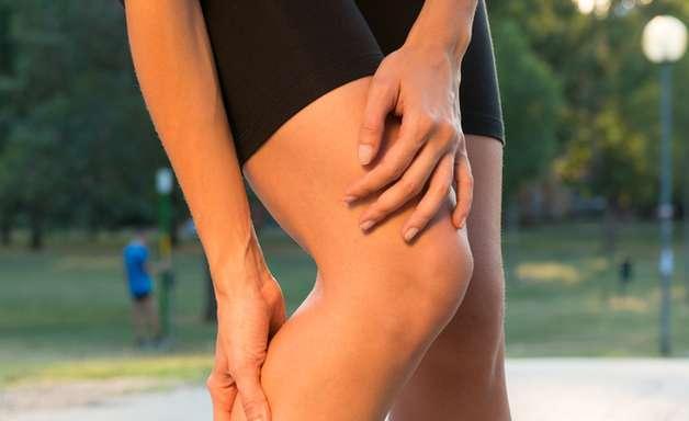 Inchaço nas pernas é evitado com exercícios e alimentação