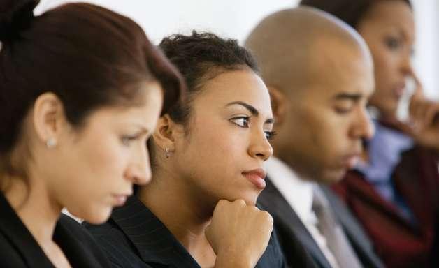 Defensoria do PR oferece 129 vagas com salário de R$ 11.377