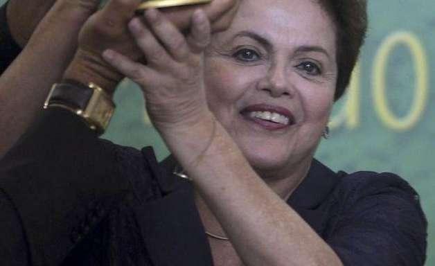 Em carta, Dilma diz que talento da Seleção basta para o hexa