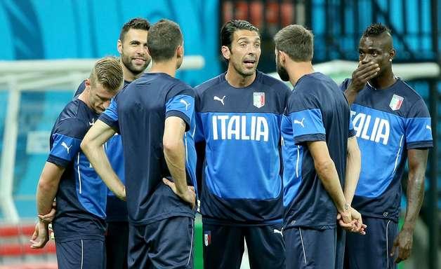 Itália treina na Arena Amazônia antes de enfrentar ingleses